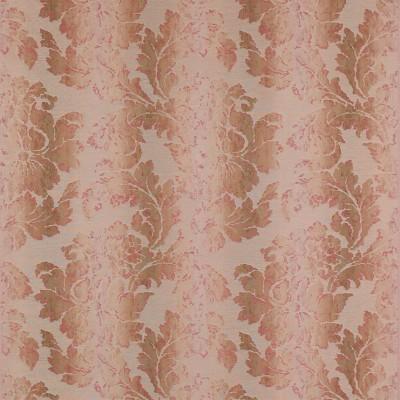 Чтобы подчеркнуть красоту ткани портьеры драпирутся складками